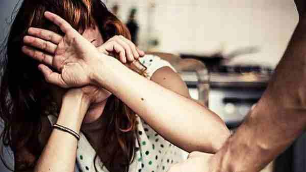 અમદાવાદ: બાથરૂમમાં સંબંધ બનાવવાની ના પાડી તો પતિએ માર માર્યો
