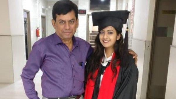 Father Junior And Daughter Senior In Same College In Mumbai