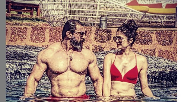 Nawab Shah And Pooja Batra Romantic Poz In The Swimming Pool
