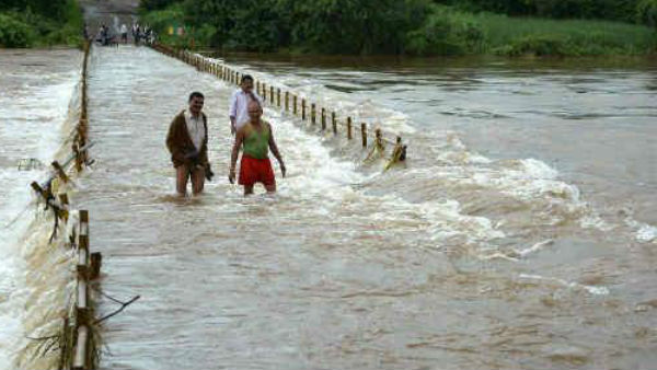 More Then 100 People Died In 4 State Due To Heavy Rain Maharashtra On Red Alert