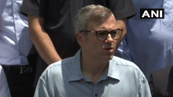 Omar Abdullah Says Governor Donot Know What Is Happening In Jammu Kashmir