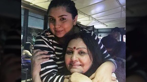 Vidya Sinha Was Stressed About Her Daughter Janhvi Tina Ghai Revealed