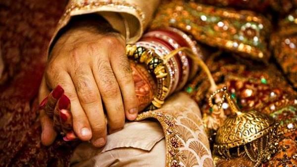 પરિવારના 11 લોકોએ એકબીજા સાથે 23 વાર લગ્ન કર્યાં, પછીં તલાક લઈ લીધા, જાણો કારણ