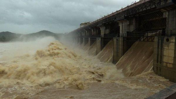 ગુજરાતના 22 જિલ્લામાં આ વર્ષે 100% થી વધુ વરસાદ, નર્મદા ડેમ 91% ભરાયો
