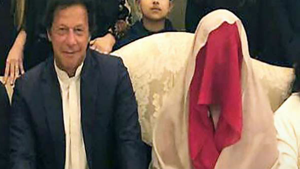 Pakistan Pm Imran Rescues Chair From Superstition