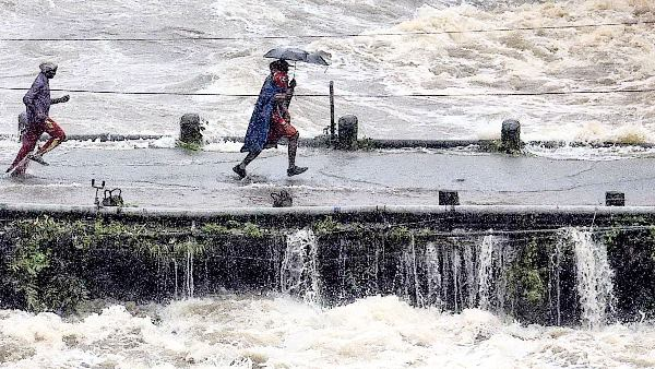 9 જિલ્લાઓમાં ભારે વરસાદની આશંકા, કેરળમાં ઓરેન્જ એલર્ટ, સ્કૂલો બંધ