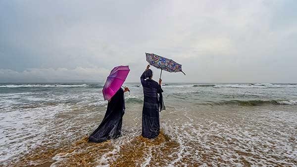 કેરળમાં રેડ એલર્ટ, તમિલનાડુ-કર્ણાટકમાં ભારે વરસાદથી પૂર જેવી સ્થિતિ, શાળા-કોલેજો બંધ