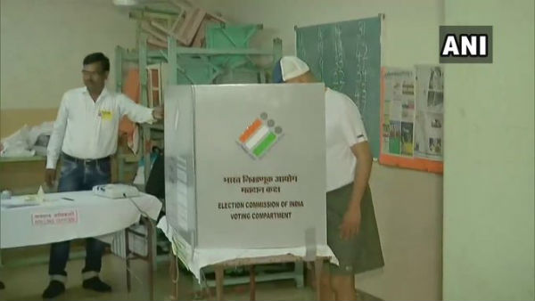 Maharashtra & Haryana Election Polling 2019 LIVE: મહારાષ્ટ્રની 288 અને હરિયાણાની 90 સીટ પર મતદાન શરૂ