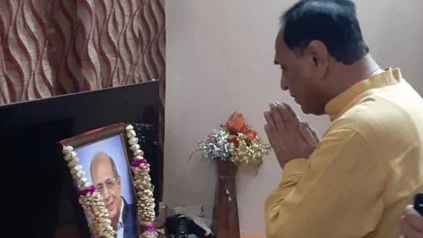 આ પણ વાંચોઃ સમય પર એમ્બ્યુલન્સ ન પહોંચતા ગુજરાતના CM વિજય રુપાણીના પિતરાઈ ભાઈનુ મોત
