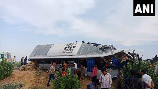 Collision Between Bus And Truck In Bikaner 10 People Killed Many Injured