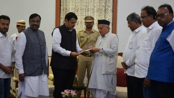 Maharashtra Crisis: ઘમાસાણ વચ્ચે મુખ્યમંત્રી દેવેન્દ્ર ફડણવીસે રાજીનામું આપ્યું
