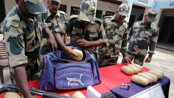 ગુજરાતમાં 60 લાખનું ડ્રગ્સ ઝડપાયું, મુંબઈના રસ્તેથી અમદાવાદ આવતું 'ઝેર'