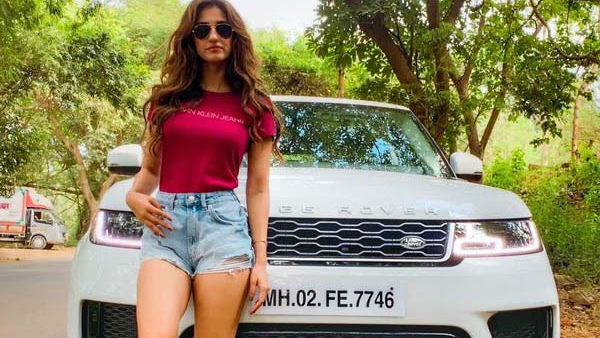 Actress Disha Patani Bought Range Rover Suv Know Price