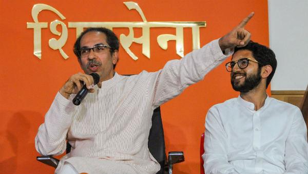 મહારાષ્ટ્રઃ રાજ્યપાલના નિર્ણય સામે SC પહોંચી શિવસેના, BJPને 48, અમને 24 કલાક કેમ?