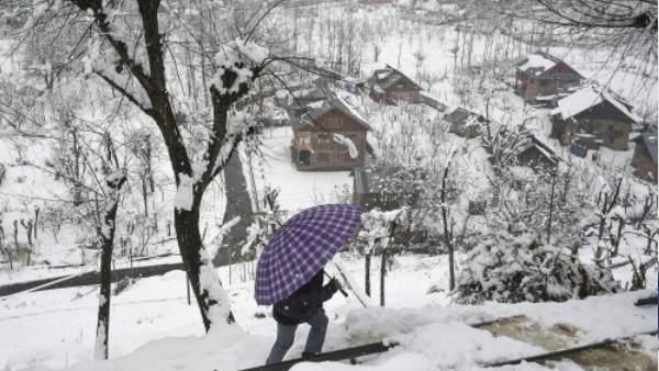 દેશના પહાડી ભાગોમાં થયેલી ભારે હિમવર્ષાના સુંદર અને નયનરમ્ય દ્રશ્યો