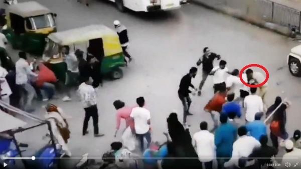 આ પણ વાંચોઃ Video: અમદાવાદના શાહ-આલમમાં કાશ્મીરી સ્ટાઈલમાં પોલીસ પર પથ્થરમારો