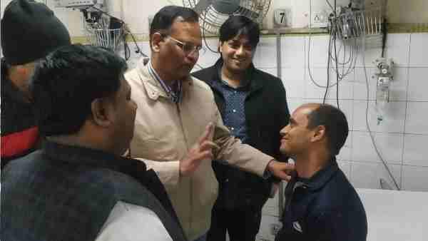 Delhi Fire: ફાયરમેન રાજેશ શુક્લા છે અસલી હીરો, એકલાએ જ બચાવ્યા 11 જીવ