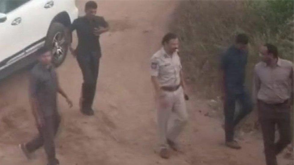 હૈદરાબાદ  ડૉક્ટર મર્ડરઃ કાનૂની નિષ્ણાંતોએ એન્કાઉન્ટરનો વિરોધ કર્યો, બોલ્યા- તરત તપાસ થાય