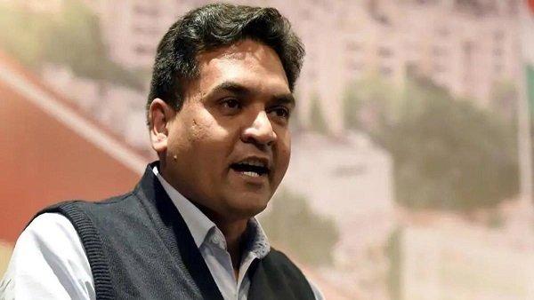 કપિલ મિશ્રાના 'Ind vs Pak' ટ્વીટ પર ચૂંટણી પંચની કાર્યવાહી, ટ્વીટર ને કર્યો આદેશ