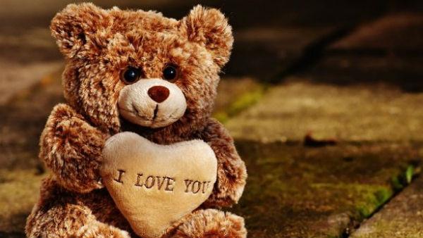 આ પણ વાંચોઃHappy Teddy Day 2020: પ્રેમને ટેડી બિયર સાથે શું લેવાદેવા? જાણો અહીં