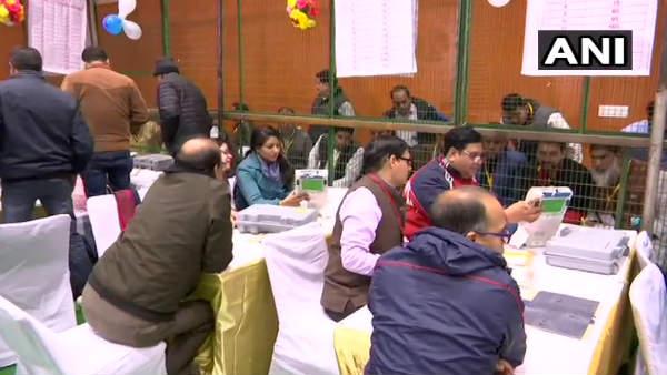 Delhi Election Results 2020: એકમાત્ર સીટ જ્યાં કોંગ્રેસ ટક્કર આપી રહી છે
