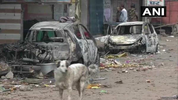 દિલ્લીમાં કેટલી હદે ફાટી નીકળી હતી હિંસા, જુઓ હિંસાના ફોટા