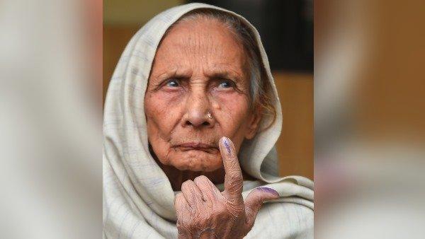 100 વર્ષના વૃદ્ધ મહિલાએ આપ્યો મત