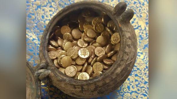 1800 વર્ષ જૂના મંદિરમાં ખોદકામ દરમિયાન સોનાના સિક્કાનો ખજાનો મળ્યો