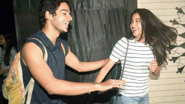Jahnvi Kapoor Kept Distance From Ishan Khattar