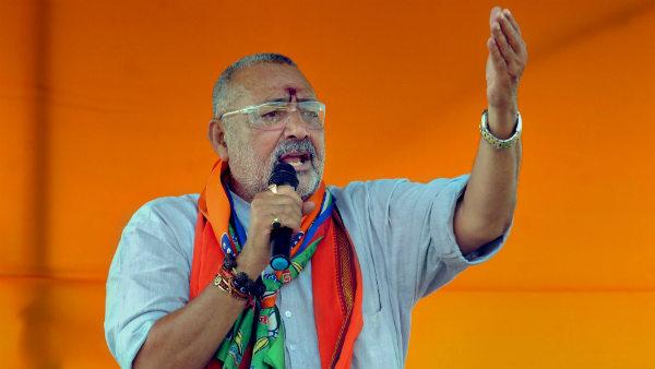 આ પણ વાંચોઃ Delhi Election: AAPએ ગિરિરાજ સિંહ પર લગાવ્યો પૈસા વહેંચવાનો આરોપ, ધરપકડની માંગ