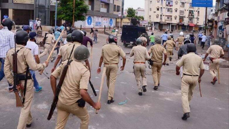 લોકડાઉનમાં કાયદો વ્યવસ્થાનું સખ્તાઇથી પાલન કરાવતી ગુજરાત પોલીસ