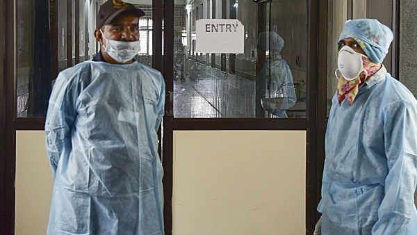 દિલ્લીમાં મહામારી ઘોષિત થયો કોરોના વાયરસ, શાળા-કૉલેજ, થિયેટરો બંધ