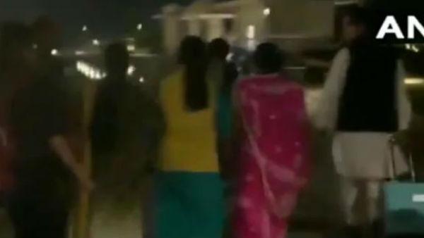 MP: કોંગ્રેસમાં રાજકીય ઘમાસાણ વચ્ચે ગુરુગ્રામની ફાઈવ સ્ટાર હોટલ બહાર હાઈ વોલ્ટેજ ડ્રામા