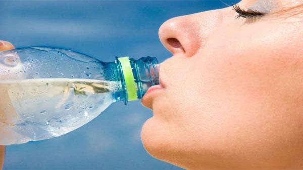 Fact Check: પાણીથી નહિ રોકાય કોરોના વાયરસનુ સંક્રમણ