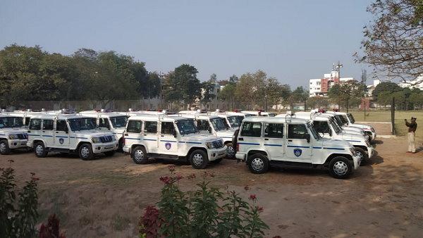 આ પણ વાંચોઃ ગુજરાતઃ એરપોર્ટથી પોલિસે ખુદ 2000 લોકોને ઘરે પહોંચાડ્યા, જેટે 4900ને જમાડ્યા