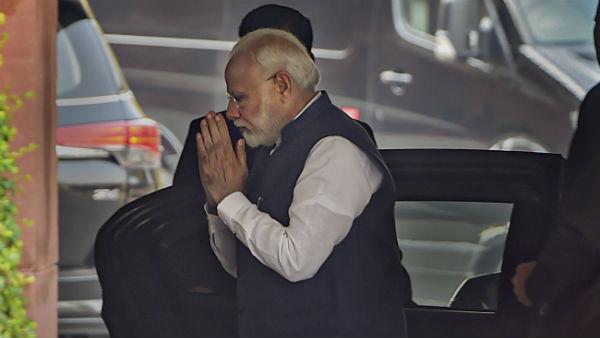 આ પણ વાંચોઃ PM મોદીએ સોશિયલ મીડિયા છોડવાના સંકેત બાદ ટ્રેંડ થયુ No Modi No Twitter