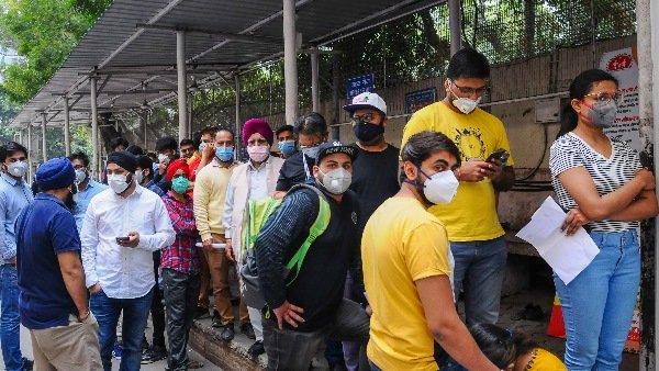 આ પણ વાંચોઃ ઉદ્યમીઓની પીએમને અપીલ: કોરોના વાયરસ ભેદભાવ નથી કરતો, દેશમાં લૉકડાઉનની જરૂર
