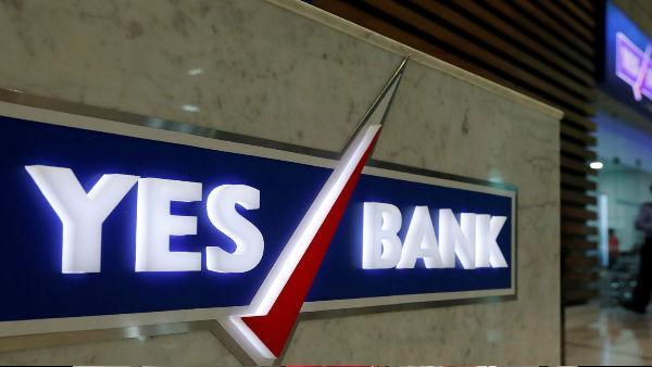 ડૂબવાની કગાર પર છે યસ બેંક, મદદ માટે SBIએ હાથ લંબાવ્યા