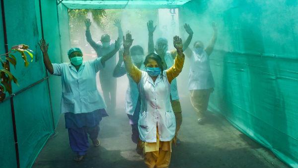 આ પણ વાંચોઃ ભારતમાં કોરોના દર્દીઓની સંખ્યા 9000ને પાર, છેલ્લા 24 કલાકમાં 35ના મોત