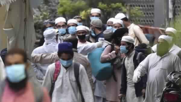 દિલ્હીઃ ક્વારંટાઈન સેન્ટરમાંથી પેશાબની બોટલો ભરીને ફેંકી રહ્યા છે જમાતી