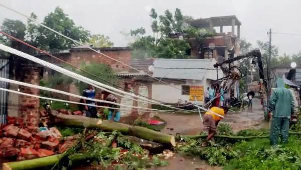 અમ્ફાન વાવાઝોડાથી પશ્ચિમ બંગાળમાં 72 લોકોના મોત, મમતા બેનર્જીએ કર્યુ 2 લાખના વળતરનુ એલાન