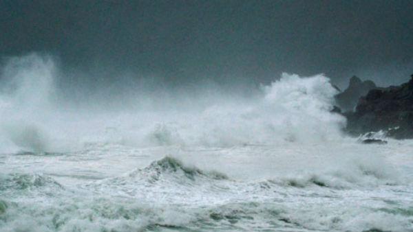 Cyclone Amphan: ઓરિસ્સાથી 1 લાખ લોકોને સુરક્ષિત સ્થળે પહોંચાડ્યા, ભૂસ્ખલનની આશંકા