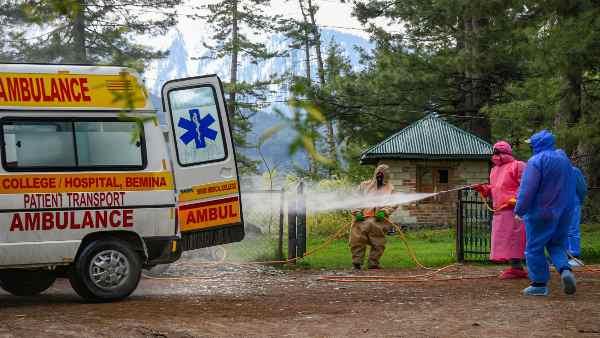 કોરોના: કાશ્મીરમાં 20 ડોક્ટરો અને 25 ગર્ભવતી મહીલાઓ પોઝીટીવ
