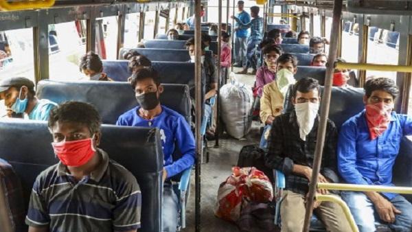 ગુજરાતથી યુપી જવા નીકળેલી બસને બોર્ડર પર રોકી, નારાજ મજૂરોએ પોલીસ પર પથ્થરમારો કર્યો