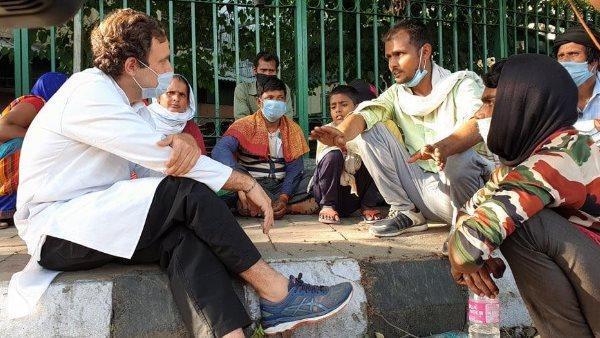 રાહુલ ગાંધીએ શેર કર્યો મજૂરો સાથેનો Video, મજૂરોએ કહ્યુ - કોરોના નહિ ભૂખ-તરસનો ડર છે