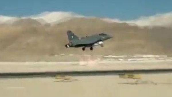 ચીન બોર્ડર નજીક ઉડાણ ભરતા IAFના ફાઈટર જેટ તેજસનો વીડિયો, જાણો શું છે મામલો