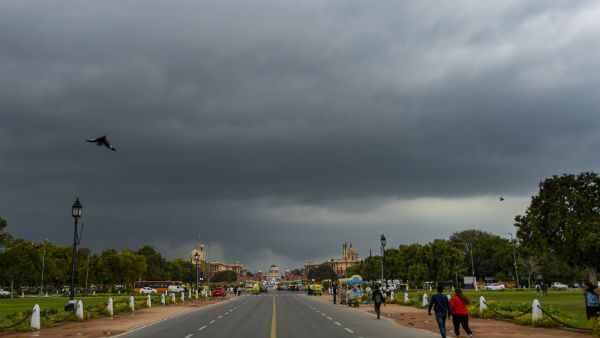 આ પણ વાંચોઃ આગામી 3 દિવસ સુધી દેશના 10 રાજ્યોમાં ભારે વરસાદની સંભાવના, જારી થયુ એલર્ટ