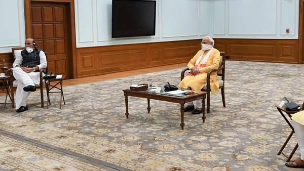 આ પણ વાંચોઃ શું 17 મે બાદ લંબાશે લૉકડાઉન? PM મોદી આજે કરશે મુખ્યમંત્રીઓ સાથે બેઠક