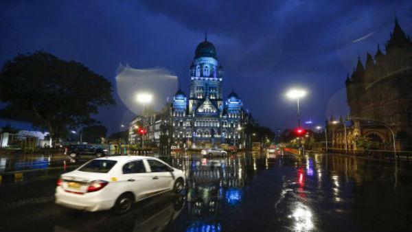 Cyclone Nisarga: 120 કિમી પ્રતિ કલાકની ગતિએ મુંબઈના દરિયા કાંઠે ટકરાશે વાવાઝોડું