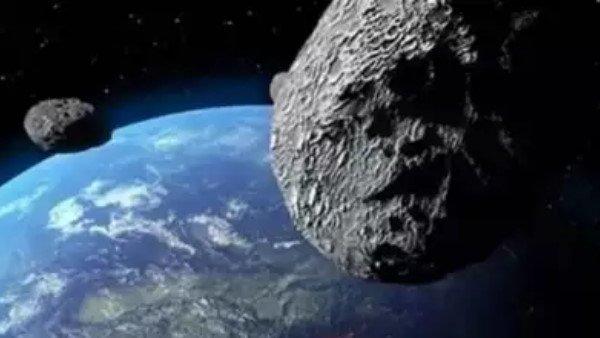 ફૂટબૉલ ગ્રાઉન્ડથી પણ મોટો ઉલ્કાપિંડ આજે પૃથ્વી પાસેથી પસાર થવાનો છે, નાસાએ આપી ચેતવણી